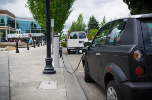 800px-Electric_Vehicle_Charging_Station