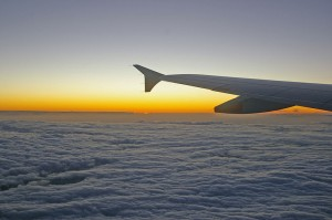 800px-Sunset_above_the_clouds