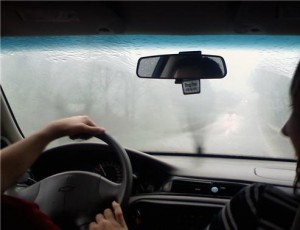 Rain_on_windscreen