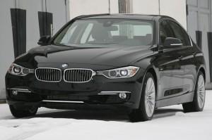 800px-BMW_328i_F30_2012_vl_2