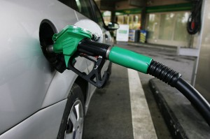 800px-Petrol_pump_mp3h0355