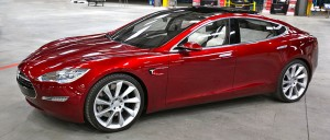 799px-Tesla_Model_S_Indoors_trimmed