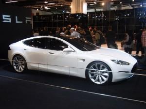 800px-Tesla_Model_S_(108)